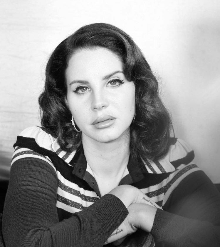 Lana Del Rey has been listed as the 11th most streamed female artist of all time on Apple Music. https://t.co/scXNzrAB9e