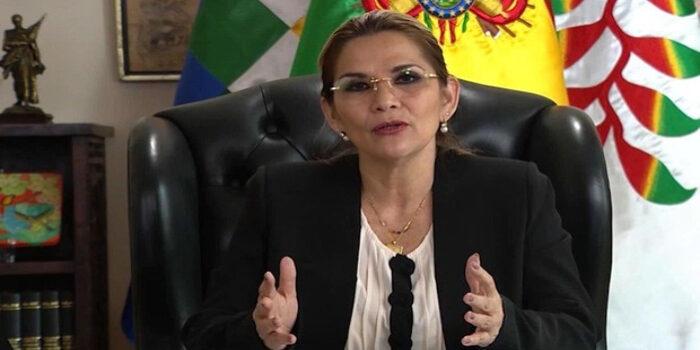#Internacionales| Jeanine Añez felicitó al candidato de izquierda por su triunfo  Lee más #ElCandelazo 🔥  👉https://t.co/Uy4tVAvduQ  #20Oct https://t.co/DnZNwCCaDe