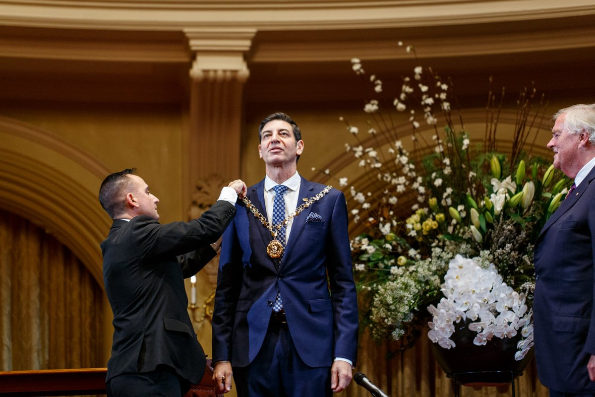 Newly elected Lord Mayor of the @CityofPerth, @BasilZempilas, was sworn in last night. Read our exclusive interview with Basil here: https://t.co/CHIhw88ZSz. https://t.co/kctsqGYvNf