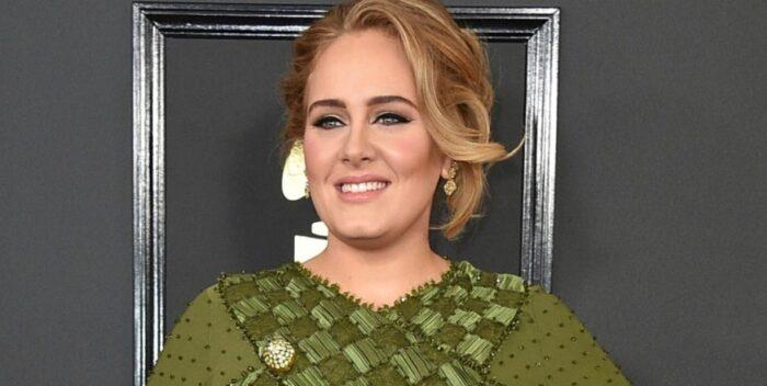 #Farándula| Adele será la presentadora de Saturday Night Live  Lee más #ElCandelazo 🔥  👉https://t.co/110ZyDO0L7  #20Oct https://t.co/DeSmvUpnQr