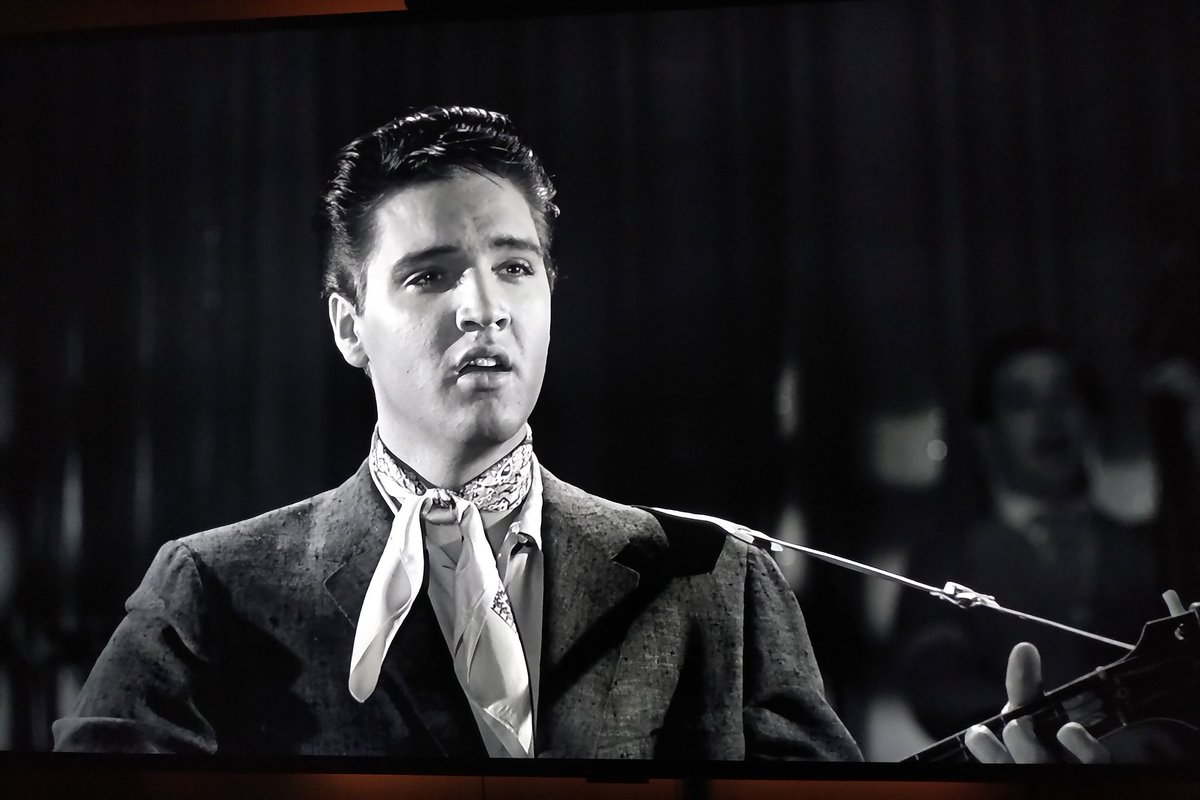 Just been watching Elvis in King Creole in glorious 4K definition. A lovely exclusive from @hmvtweets #ElvisPresley #Elvis #KingCreole https://t.co/zH3WxS9ler