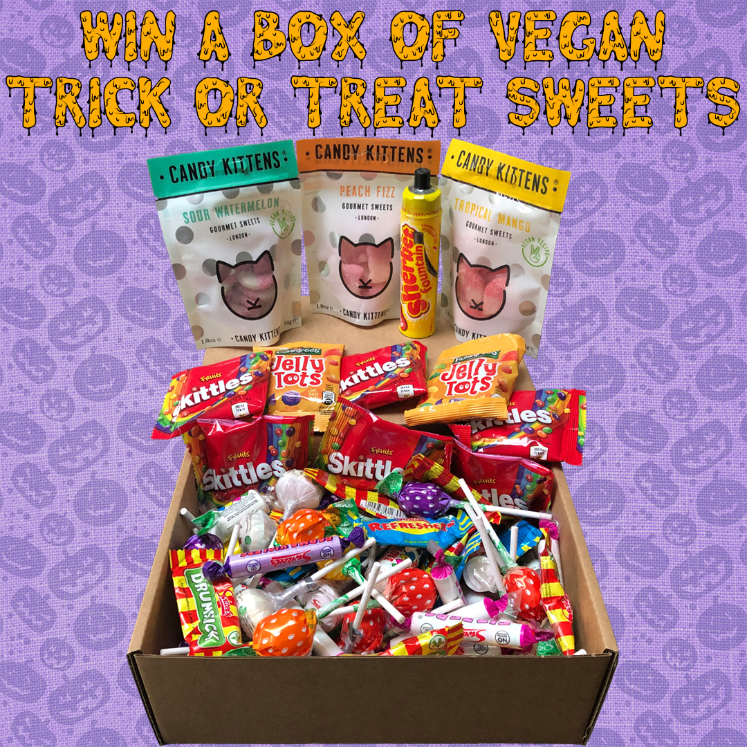 Win this big box of vegan trick or treat sweets for Halloween! Just retweet this and follow me to enter. Winner will be picked Tuesday (27th) at 23:59! Good luck! :) Also, check my Instagram and website for two more boxes to be won to triple your chances of winning! 😃 https://t.co/v5Az4Vi5qH