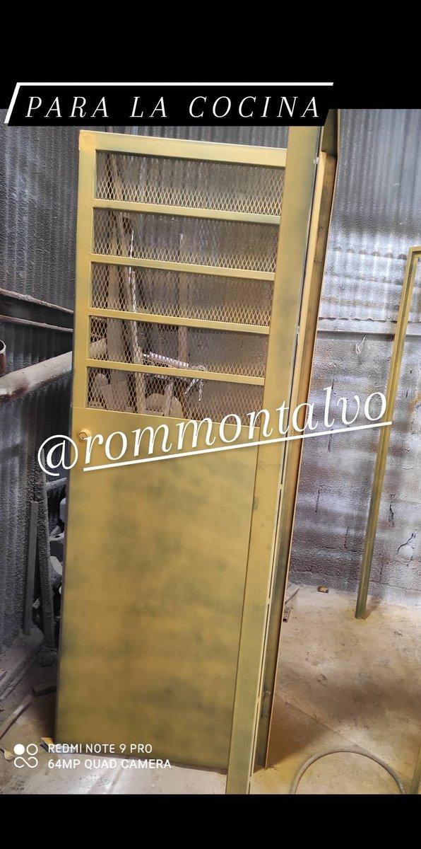Un día lluvioso. Pero seguimos vendiendo calidad y seguridad. Puertas y portones de hierro. #herreriarommontalvo  #panama contacto vía WhatsApp al 62076904 https://t.co/mBE5ClXGqJ