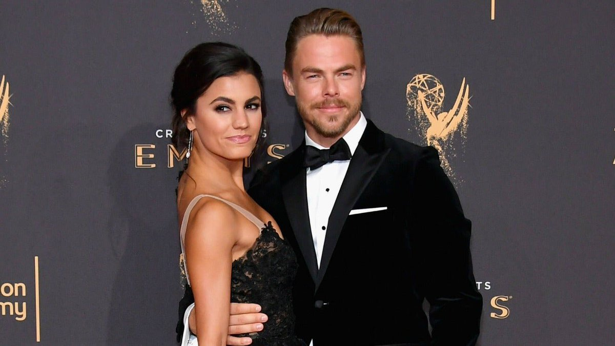 I can never get enough of watching @DerekHough dance! No one does #PasoDoble & Spanish styled dances better. He and his fiancée: #HayleyErbert were beyond fabulous on @DWTS. What a treat to see!!! 💖 https://t.co/BuAxRtAxIw