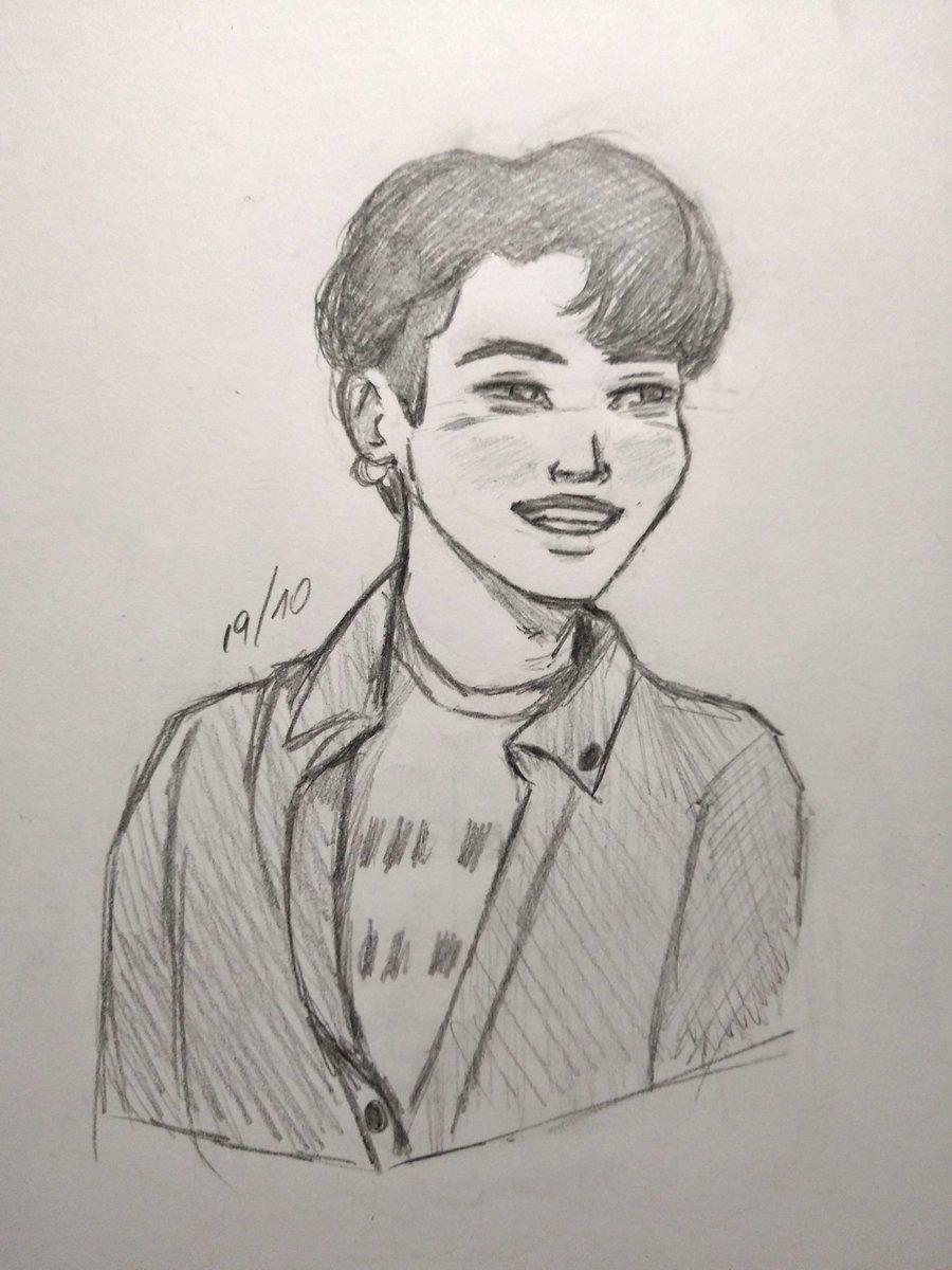 Hj fiz dois sketchs do yoongi e um deles pretendo finalizar sim, pois é forças pra mim #btsfanart #MinYoongi https://t.co/LlHqQonO0I