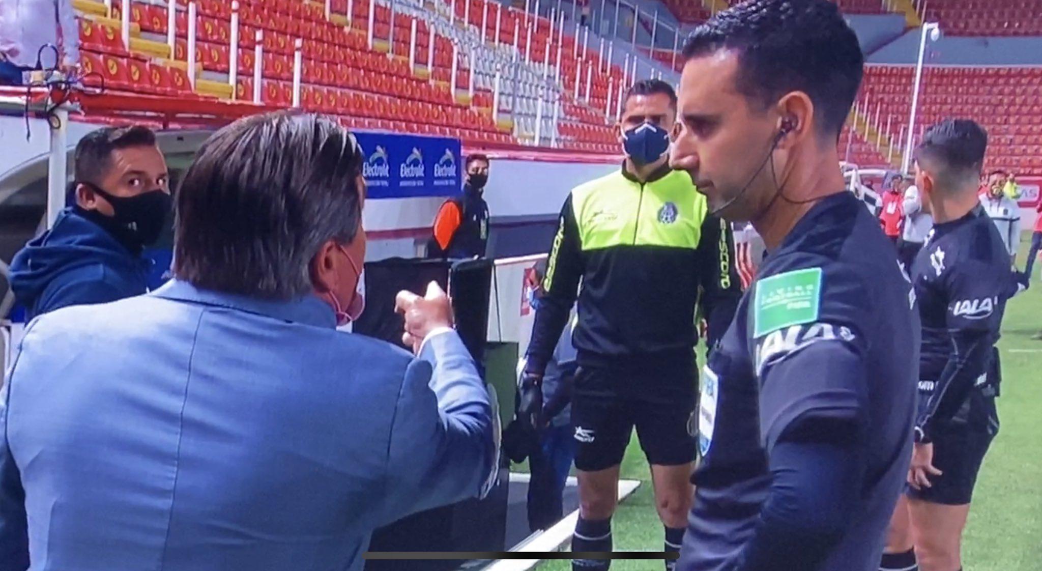 César Ramos trolea a Miguel Herrera tras el juego entre León y América y le recuerda los penales errados por su equipo en la final del Apertura 2019