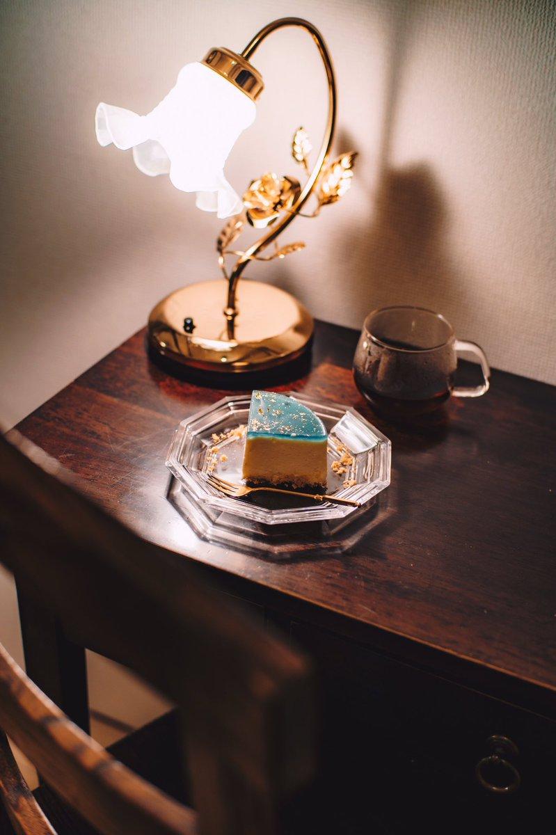 星空を浮かべたレアチーズケーキ