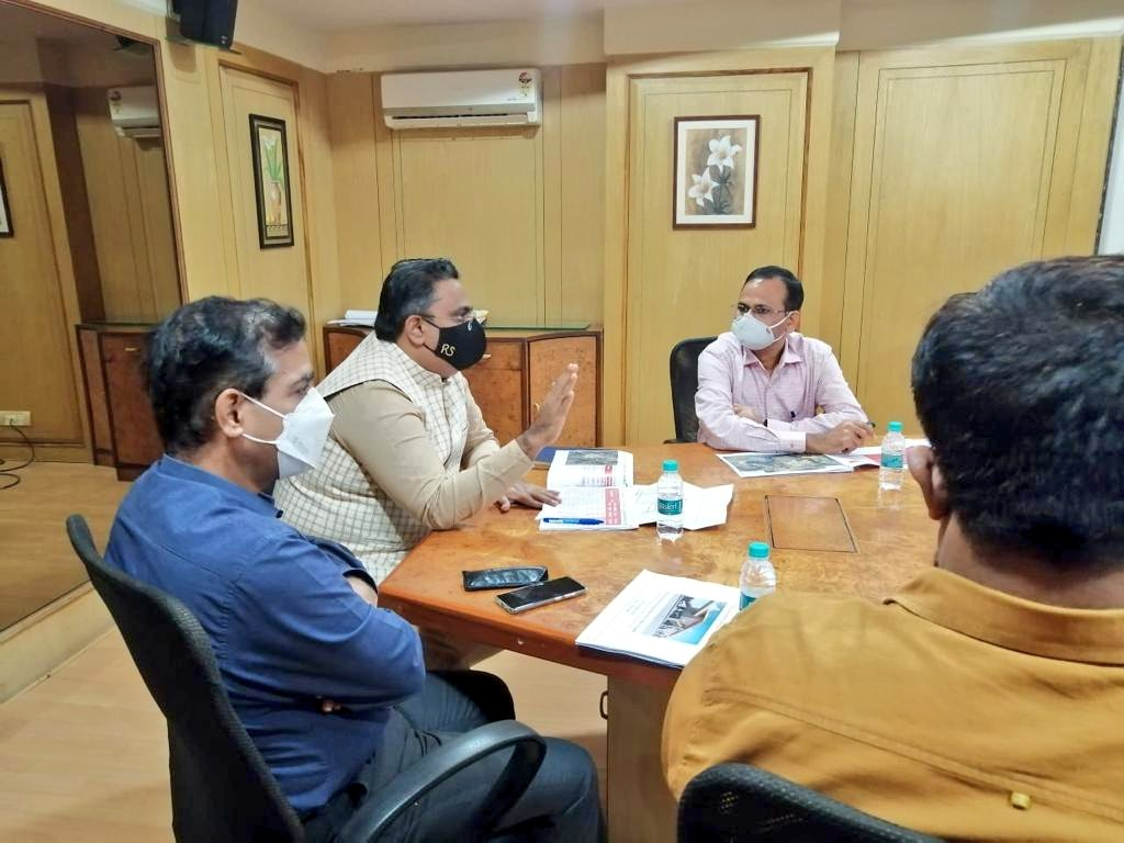 Held an important meeting with the MMRDA regarding Metro-5 Route between Thane-Bhiwandi-Kalyan.  We anticipate the fulfillment of following demands:- 1. Compensation should be provided for all the structures that will be demolished for the metro project. https://t.co/hhzPyRHTmT