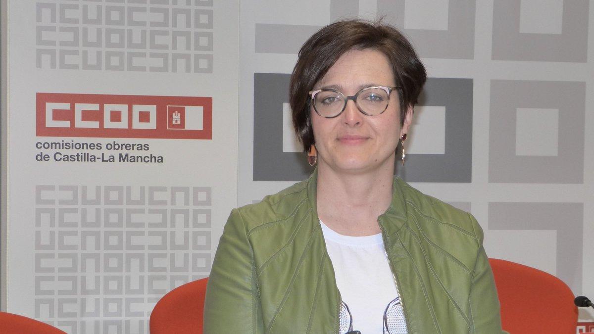 """🔊@CCOOclm hace un llamamiento a @_CECAM a reactivar la negociación colectiva  🗣️@CarolinaVidal_L secretaria regional Acción Sindical: """"La negociación colectiva es un instrumento clave para la reconstrucción social y económica de #CastillaLaMancha"""" https://t.co/iVQ7NsVSo7"""