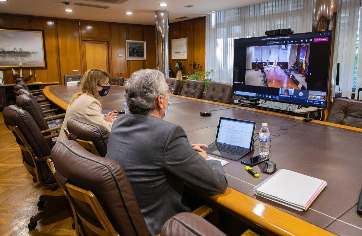 @PuertosEstado y @APHuelva acuerdan el Plan de Empresa 2020-2024, con una inversión total de más de 238 M€. https://t.co/4h1LcJOolY https://t.co/jktn1YjCZA