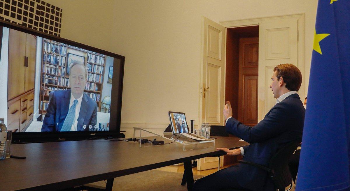Gestern Abend konnte ich mich mit Brad Smith, dem Präsidenten von #Microsoft austauschen & mich für das Engagement seitens Microsoft bedanken. Ich bin zuversichtlich, dass die Zusammenarbeit erst am Beginn steht. @BradSmi https://t.co/kW1Ssepkd5