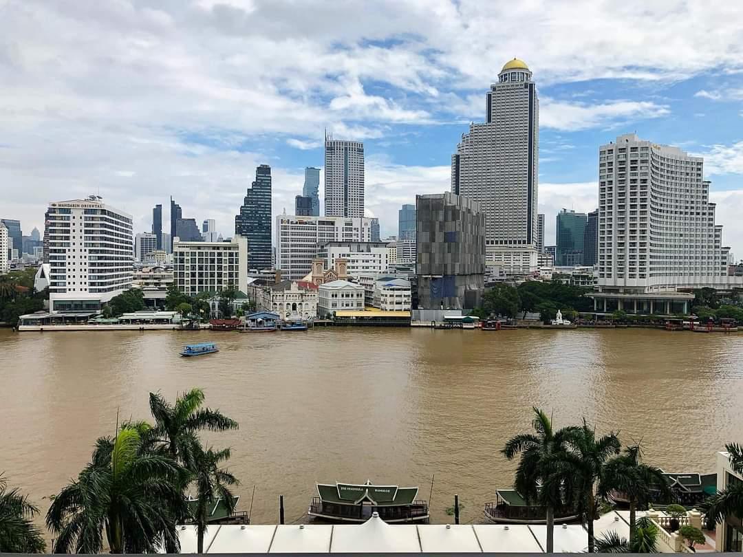 Chaopraya River, Bangkok in thailand  #FromYiemThaiStaff https://t.co/gTFkjmhFPb