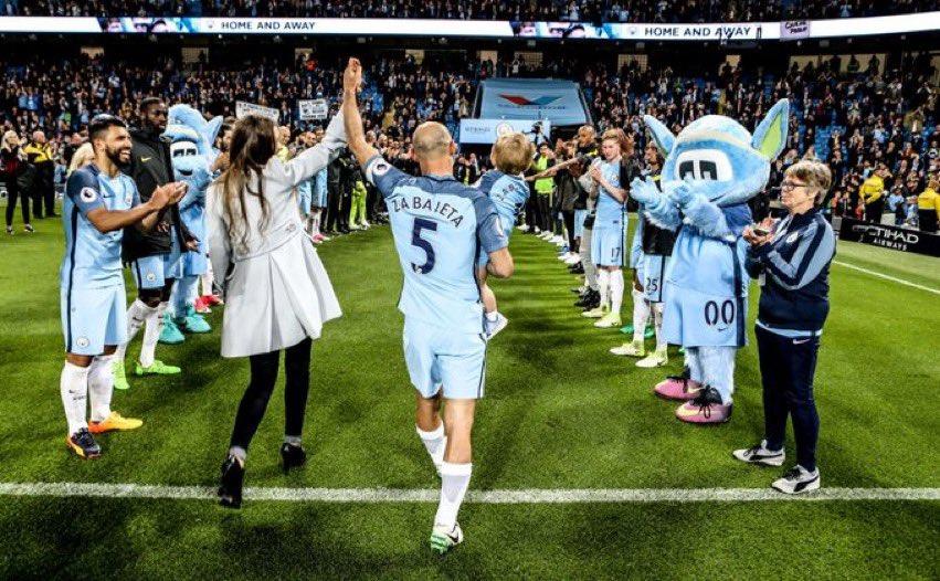 Manchester City est prêt à accueillir Pablo Zabaleta, qui a récemment raccroché les crampons, s'il était intéressé par un poste au sein du CFG, comme l'avait fait Vieira et Lescott par le passé. [Daily Mail] https://t.co/ziPPvPANEt