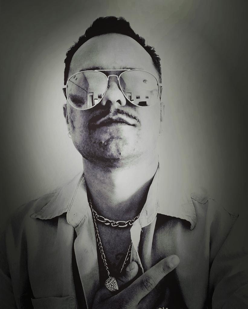#sileka #artista #canario   Seguimos de #promo y #componiendo  _______  Feliz #miercoles a #todos 👊❤️🤛🎶 Y ustedes que haceis hoy????  ______  #Musica #productions #happy #sueños #love #photoday #mundo #hastalasestrellas #xti https://t.co/1geaPiWrVz https://t.co/TybhpOJwGX