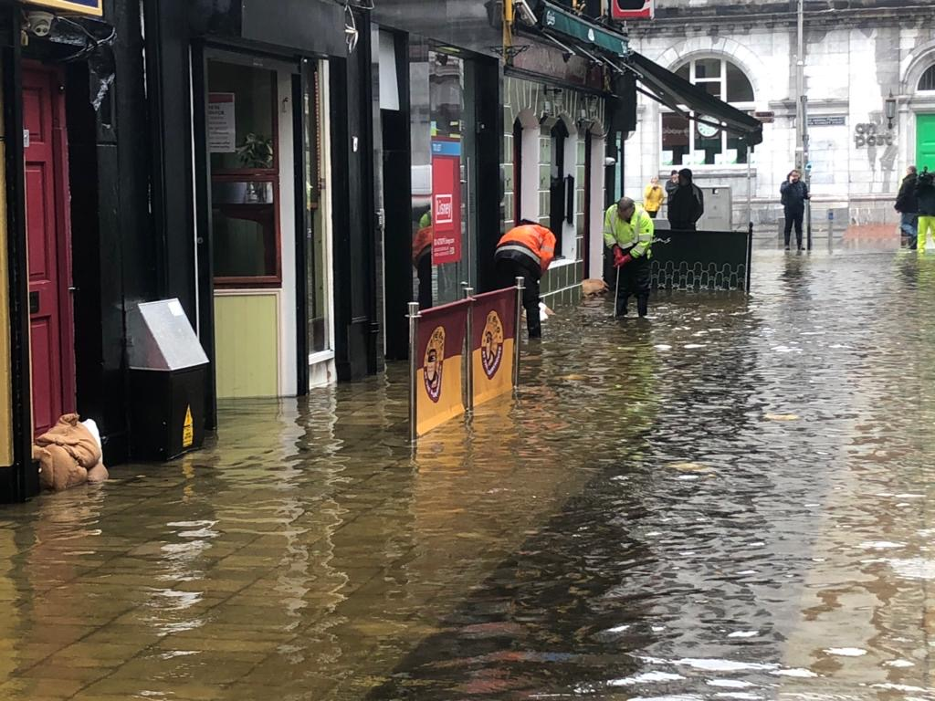We can't go on allowing our best approach to be based on luck.We're once again grappling with devastating effects of spring tides,wind &rain[..]Had Morrisons Island flood defences been in place, today's flooding wouldn't have occurred Read floods reaction👇https://t.co/rBwR65QErf https://t.co/rVPGbWLc9y