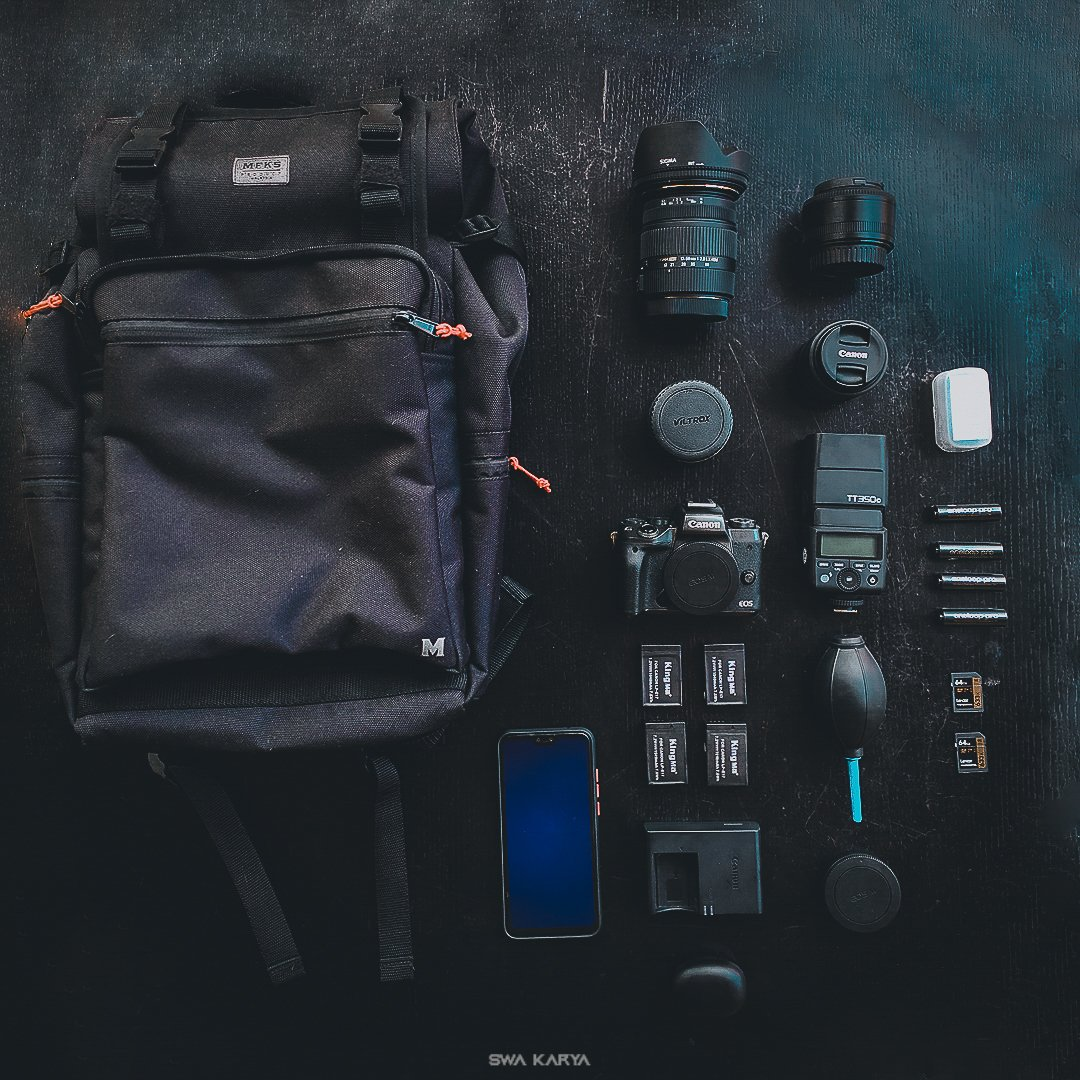 Flat lay camera gear. My current photography gear, insyallah it will be more upgrade soon. #photography #adobelightroom #photoshop #adobelightroom #adobe #canonphotography #canonmalaysia #canonmalaysia #snapkreatif #camera #cameragear #camerageargeeks #cameragearaddicts https://t.co/mnf0ZpYFXw
