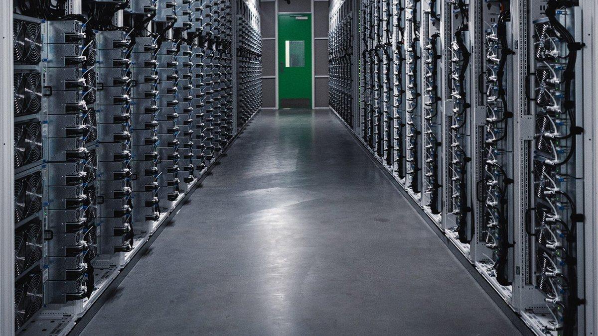 Der US-Technologiekonzern Microsoft will in den nächsten Jahren rund eine Milliarde Euro in sein erstes Cloud-Rechenzentrum in Österreich investieren. https://t.co/B6eRwi3eVl https://t.co/oe4fHfUFcf