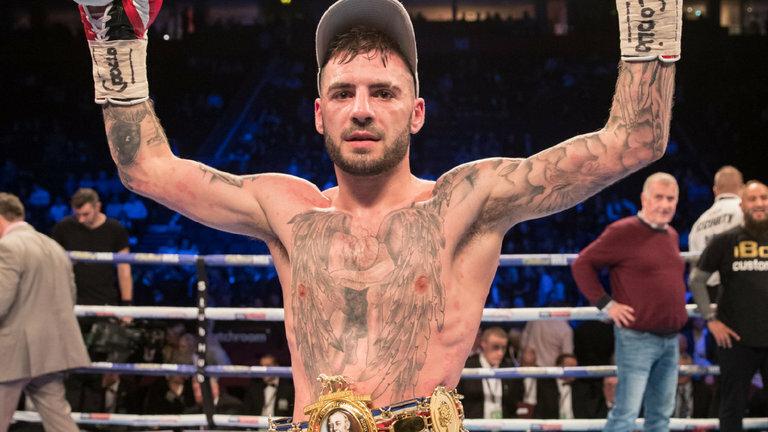 Lewis Ritson wins controversial split decision against Miguel Vazquez   Read Here: https://t.co/P3cg1Ap4mB   #boxingheads #boxing #boxingnews #boxen #boxeo #拳击 #ボクシング #Boxe #Tinju #권투 #боксом  Forum Comments: https://t.co/yPIuuWqU3J https://t.co/1xWmYQRtMw