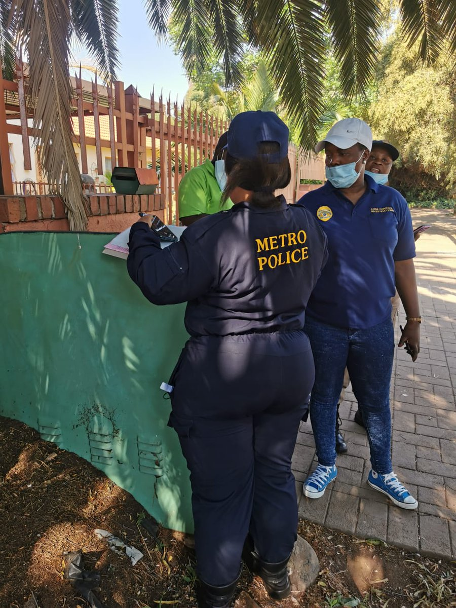 The Anticable Theft unit and #CoE Energy Revenue team along with #EMPD are testing electricity meter boxes during the meter tampering operation in Mayberry Park, Alberton. https://t.co/WGMrGH1X44