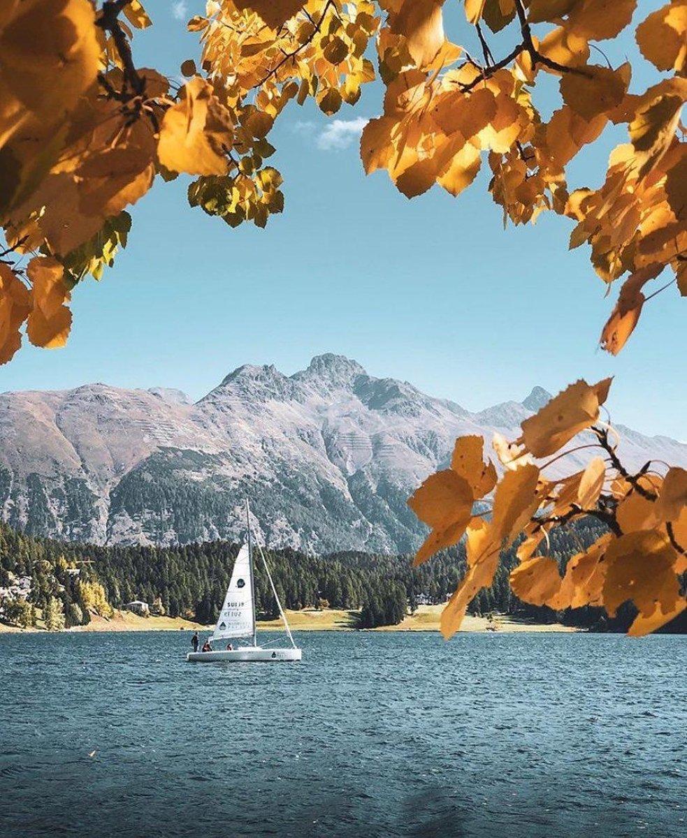 Enjoying the beautiful colours of autumn at Kempinski Grand Hotel des Bains St Moritz before the snow arrives. #Kempinski #KEMPINSKIDISCOVERY #DiscoveryLoyalty https://t.co/4OKCofVV4f