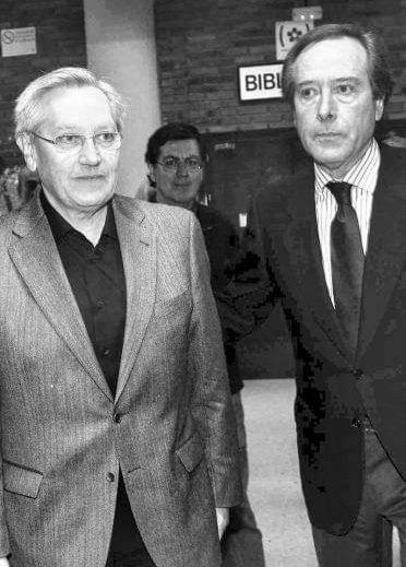 @patxilopez @PSOE @JEguigurenImaz @gpscongreso @socialistavasco @PSEBizkaia 9 años del final de una pesadilla y dos figuras emergen como las que más hicieron por la paz;  Enrique Curiel y Patxi Zabaleta, desde aquí hoy mi reconocimiento.    La foto es en la Facultad de Políticas de Madrid en una charla a la que acudieron Pablo Iglesias y Monedero. https://t.co/Z3lsSF1OCT