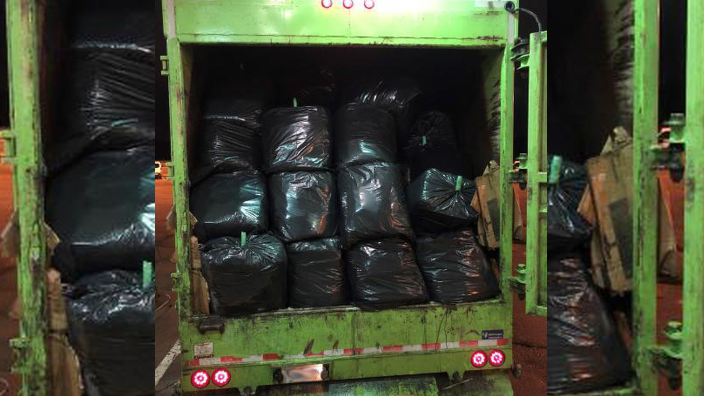 Garbage truck from Canada to U.S. caught hauling more than 1,000 pounds of marijuana https://t.co/KJQtO90HVR https://t.co/ibdAj796Xk