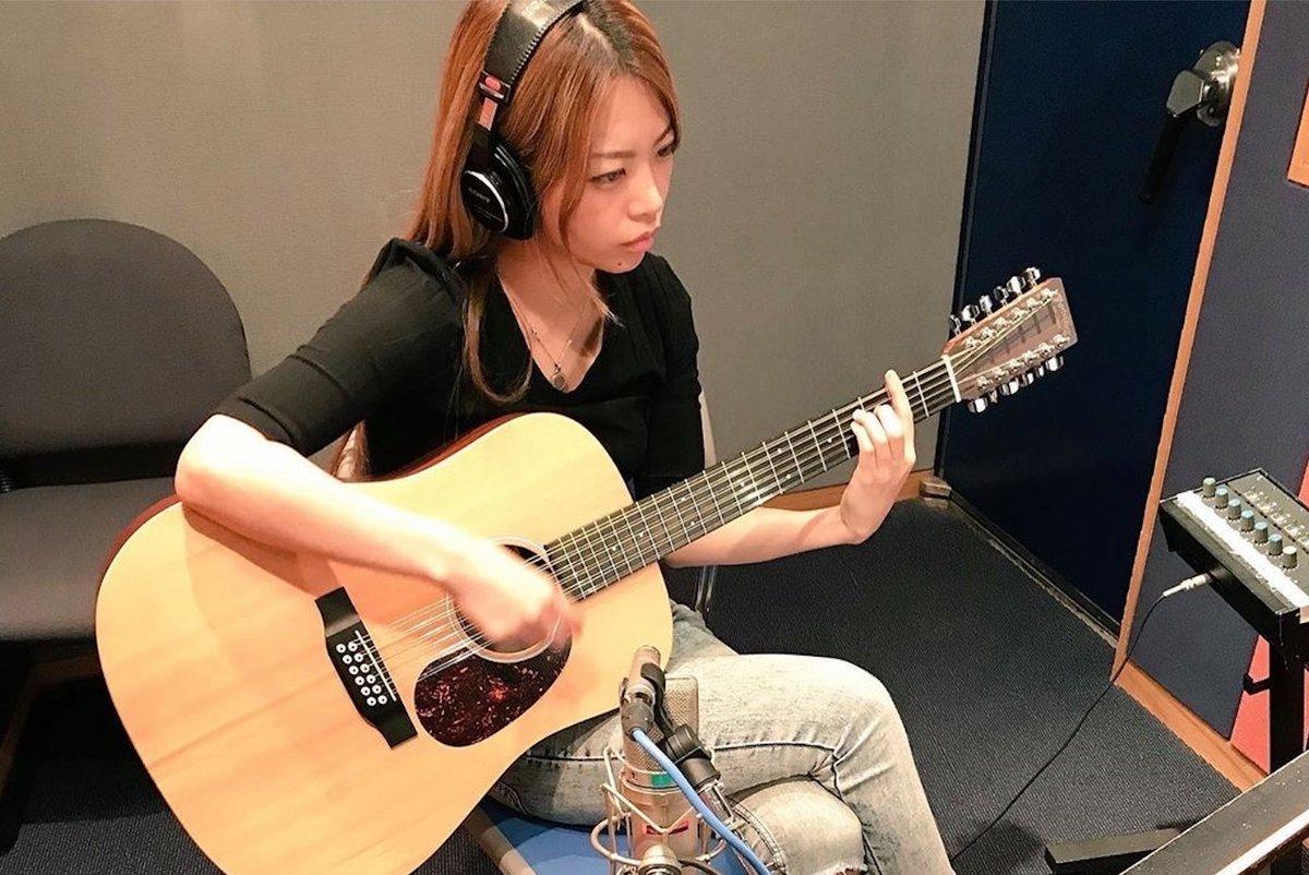 Picture Of The Day 🌟彡 @miyako_0405 @MartinGuitar #ギター #ギタリスト #guitar #guitarist #acoustic #acousticguitar #アコースティックギター https://t.co/40smHBkAtV