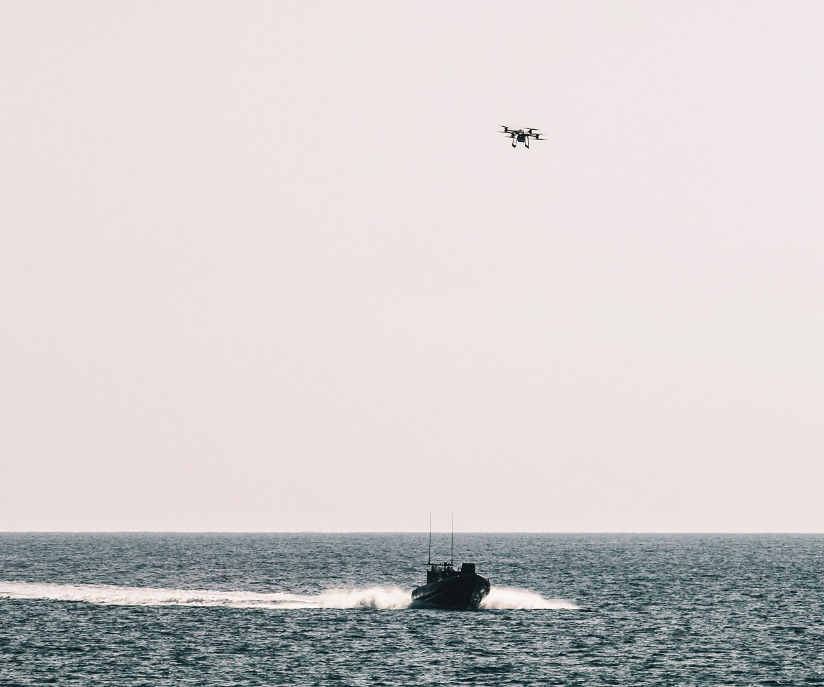 The @RoyalMarines are sending in the drones for the biggest workout of tech with @RFALymeBay and @hms_albion in #Cyprus on the #LRGX deployment. The two-week Ex Autonomous Advance Force 3.0 will develop tactics and tech for #FutureCommandoForce. ow.ly/ALPW50BXNtE