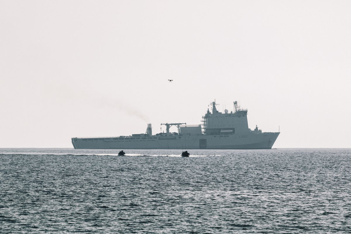 .@40commando, @42_commando and @47CdoRM are sending in the drones for the biggest workout of tech with @RFALymeBay and @hms_albion in #Cyprus on #LRGX. The 2 week Ex Autonomous Advance Force 3.0 will develop tactics and tech for #FutureCommandoForce. royalnavy.mod.uk/news-and-lates…