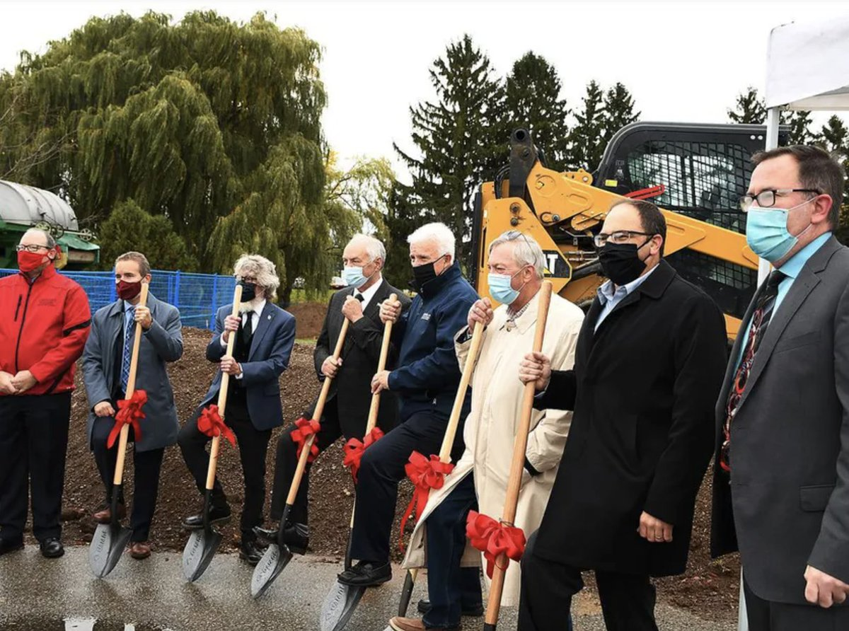 A new $6.5-million field #crop services building @uofg's  #Ridgetown Campus will have six labs and focus on areas like #seed processing, seed cleaning, and storage. This investment can strengthen the #agrifood sector and help grow the #economy. https://t.co/Uc3FIYcokx https://t.co/iGgRr6NVfP