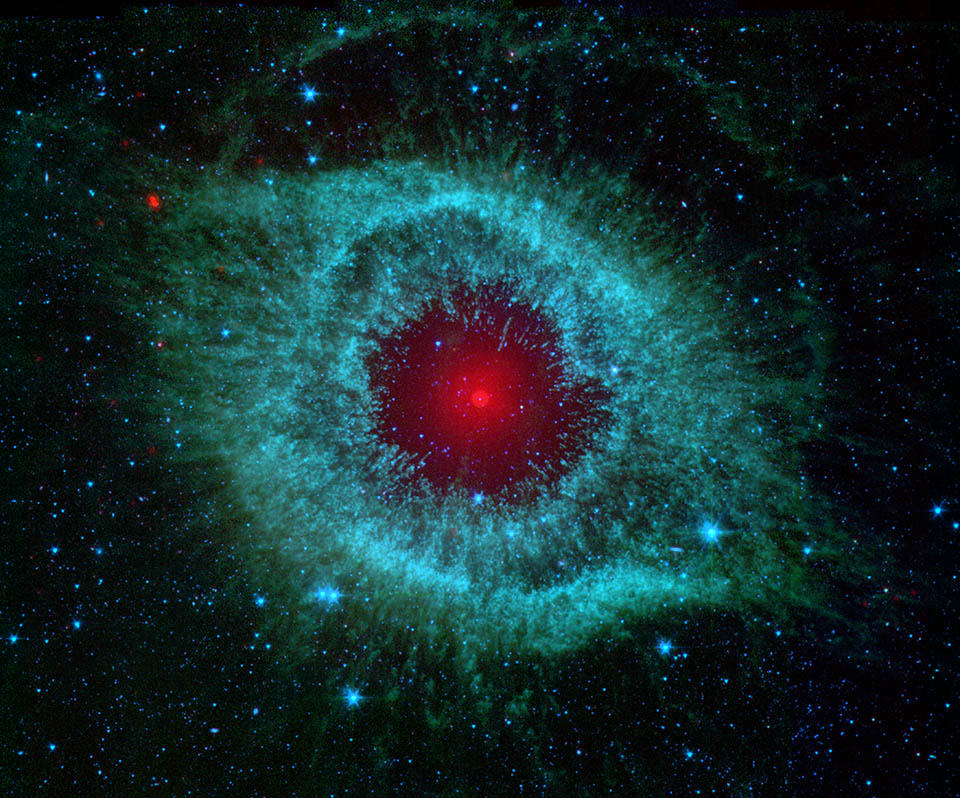 👀Somethings Watching👀 @NASAspitzer peered at the Helix nebula in infrared and it appeared to be looking back. The space telescope mapped the structure of the dying star unraveling into space – about 700 light-years away in the constellation Aquarius. #NASAHalloween