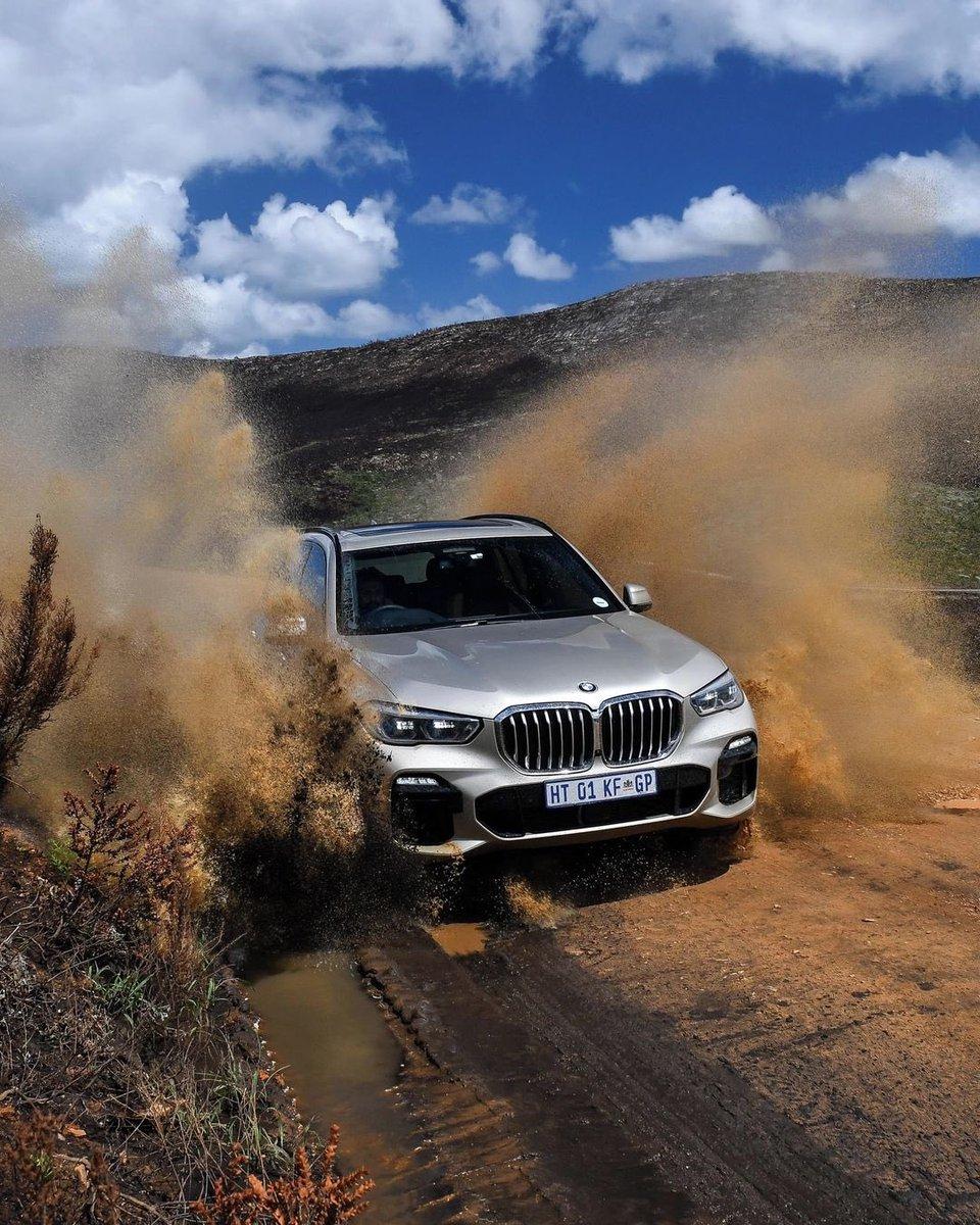 .   سيارة BMW X5 تبقى جاهزة لكل الاحتمالات! #BMW #ANABMW #AliAlghanimSons https://t.co/2v6dxKRynG