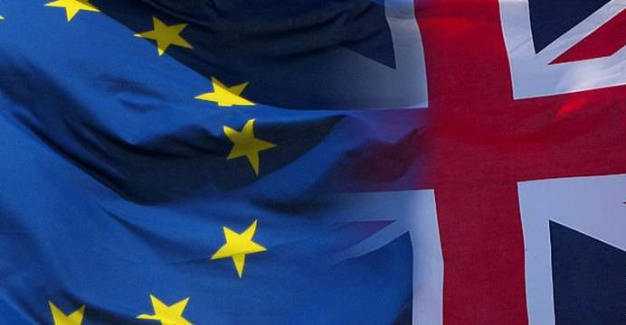 #Brexit: rights of Britons living in France to be protected @BritishinFrance https://t.co/EhCOgaVOJt https://t.co/Wyzvn0F6Qj