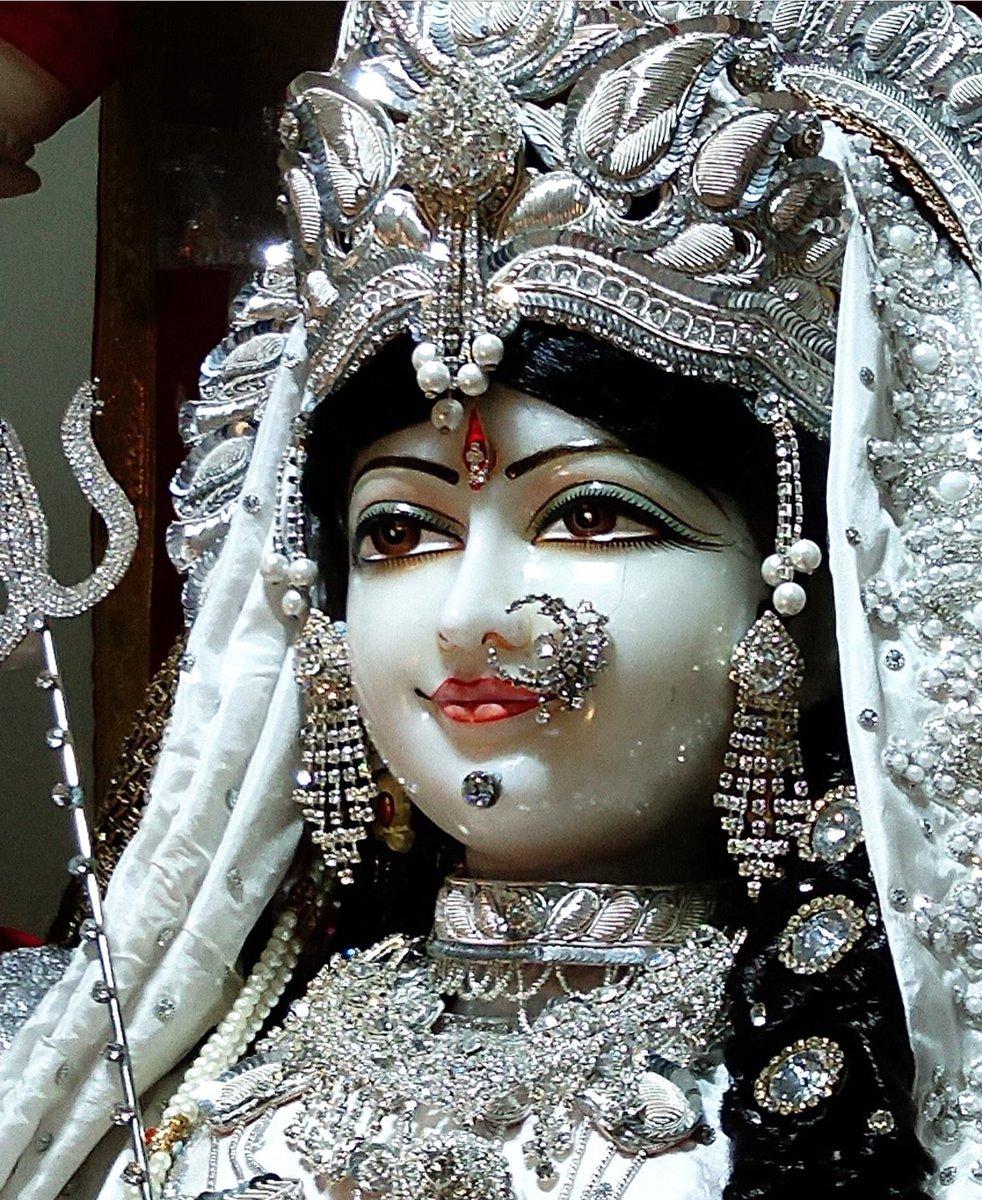 Jai Maa Durga! For more visit https://t.co/mftCAINJQW #indian #DurgaPuja2020 #durga #GoddessDurga #god #tamilnadu #Mahakaleshwar #bhakt #DEVI #NavratriDay4 #Navratri #NavratriSpecial #gujrat #Kolkata #bengal #chennai #Bangalore #JaiMataDi #JaiMaaAmbe #jaimaa #mahalaxmi #Mumbai https://t.co/L78Q7pFhiG