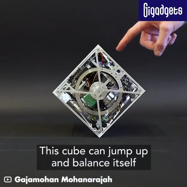 Image for the Tweet beginning: This robotic cube can jump