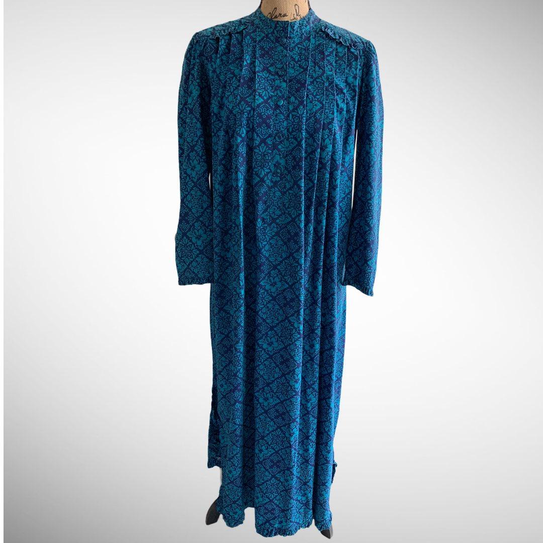 Check out #vintage #Hawaiian #muumuu #dress #Hawaii #Floral #70s #80s #Pleated #Blue #Hibiscus https://t.co/UHyy4qT77Y @eBay https://t.co/2PYkqo90K0