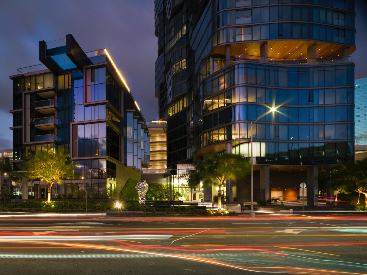 """A glimpse of your new home!  Coldwell Banker Agent, Wanda Christian, Lic. RS-81228, Buyers Agent scouting out the hippest neighborhood in Honolulu, Hawaii.  Howard Hughes, Ward Village Honolulu, named """"Best-Planned Community in the U.S."""" by Architectural Digest. #liveyourbestlife https://t.co/2Sq6ax54r2"""