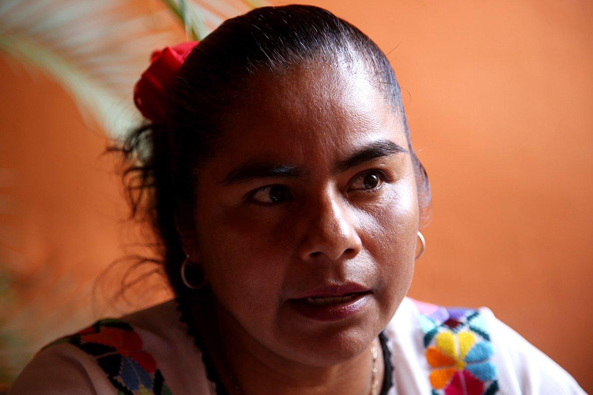 Entrega #Conapred reconocimientos a indígena guerrerense por su lucha por la igualdad  #HermelindaTiburcio es luchadora social na savi y defensora de los derechos sexuales y reproductivos de las mujeres en #CostaChica y #Montaña de #Guerrero https://t.co/0oSnmjoqn8 https://t.co/1kQgjrUc9G