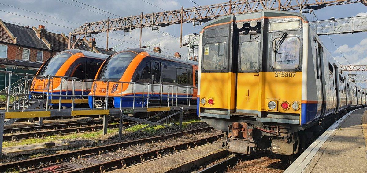 EkyhJBJXYAImSmw?format=jpg&name=medium - London Overground's final 315