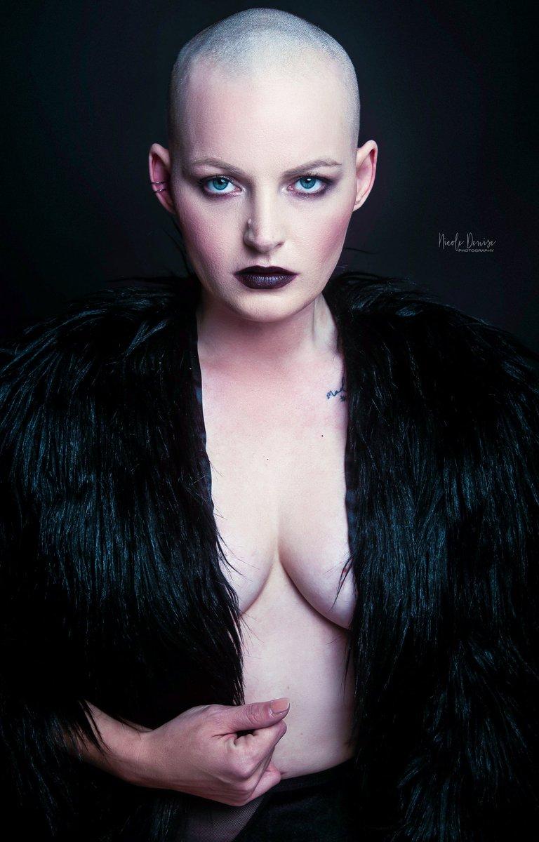 Revenge is mines.. MODEL: Michelle Hines Photography by Nicole Felton   #photography #art #love #fashion #artwork #detroitmodel #beauty #beautyphotographer #angel #detroitphotographer #Detroit  #halloweencostume #halloween  #halloween2020 #artist https://t.co/TwlRxLCYad