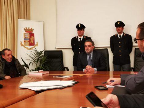 Condanna al questore Renato Cortese, solidarietà dei funzionari di polizia di Palermo - https://t.co/4ISzbfJygh #blogsicilianotizie