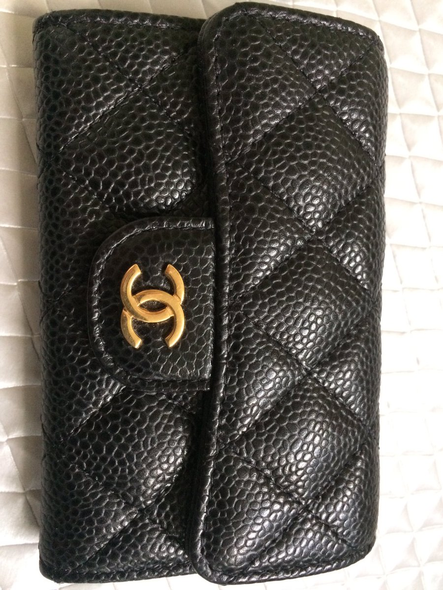 @CHANEL Prefer this clasp