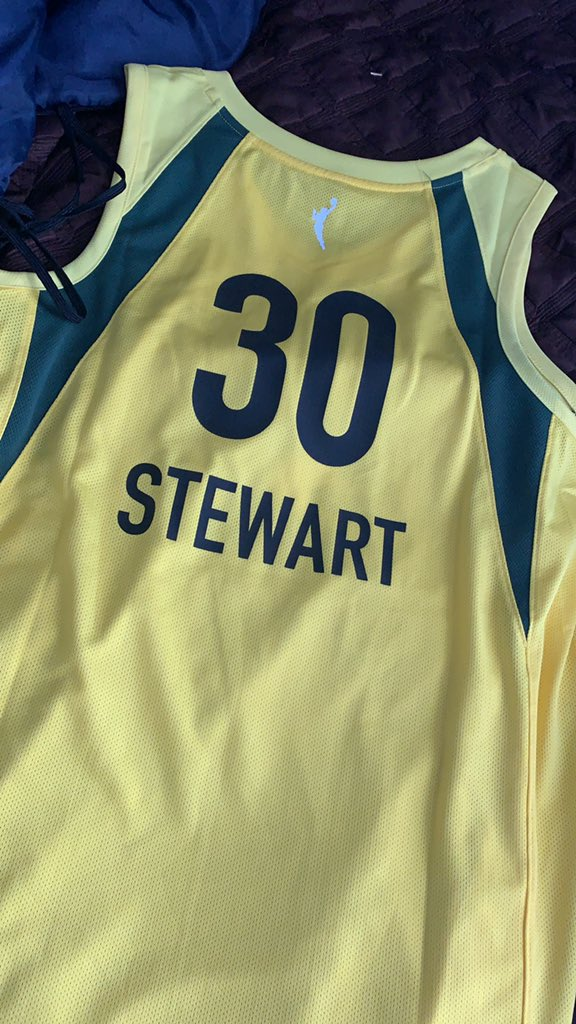 Just got my @breannastewart jersey 🙏🏆🏆🏆🏆 https://t.co/Y9R0bfvcYX