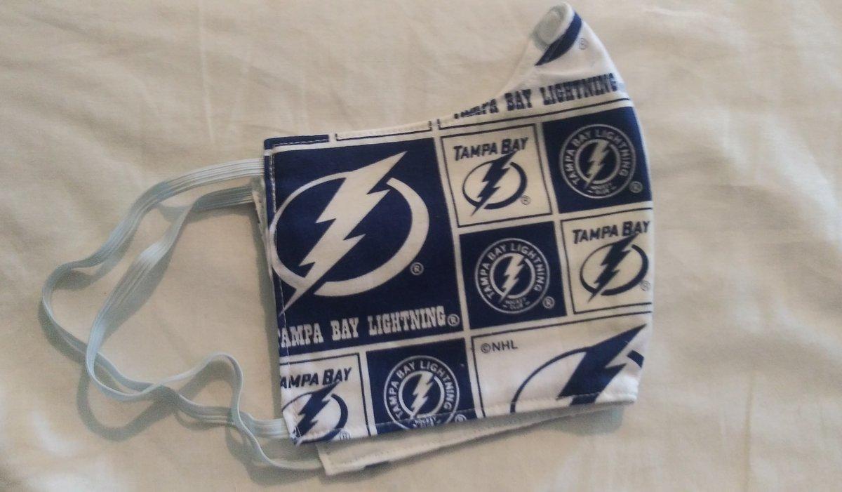 Tampa bay Lightning $12 ($5 shipping handling ) O ..limited ....    #ftmyers #swfl #stpetebeach #hockey #hockeystick #puck #ice #rink #icerink #hockeyplayer #instagood #hockeyplayers #fight #shot #skate #hockeygram #stanleycup #score #hockeylife #pucklife #nhl #stanleycup https://t.co/mmNQ9uCjMa