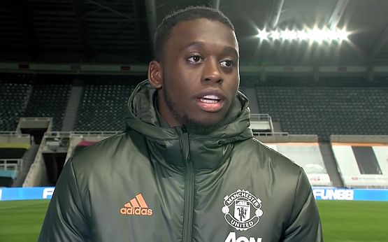 Aaron Wan-Bissaka vs PSG 6 tackles won 2 interceptions 2 clearances 1 blocked shot 7/10 duels won Defensive colossus against the likes of Neymar, Mbappé and Di Maria. 🔴
