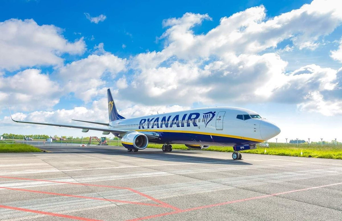 #Ryanair announced new flights from London Stansted, Birmingham and #Manchester to Santorini & Chania for this October mid-term break. 📷 ©Ryanair #Santorini #chania #greece #uk #aviation #avgeek #avgeeks #flights #travel #Traveler #London #Birmingham https://t.co/SnMp5iBDGL