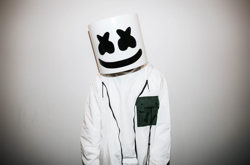 """Watch @marshmellomusic and @ddlovato's live performance of """"OK Not to Be OK"""" at LA's Troubadour. ✨ https://t.co/EEgQBr5npo https://t.co/tHYiG8nnte"""