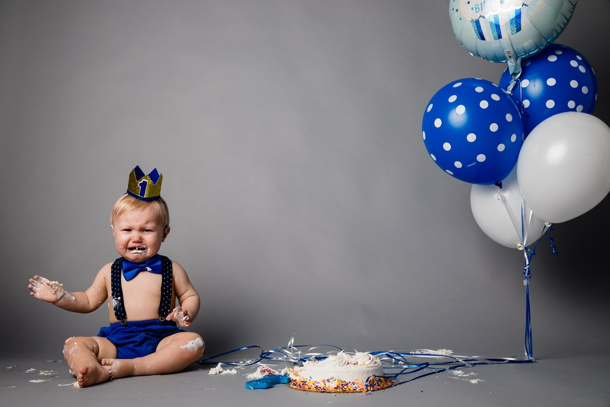 Not everyone is a cake fan.  #family #children #qualitytime #portrait_perfection #portraiture #life_portraits #makeportraits #studio #firstyearbirthday #cake #baby #crying #idahoportraitphotographer #jeromepollosportraits #shotbyjeromepollos  #jeromepollosphotography https://t.co/7z749Bzr52