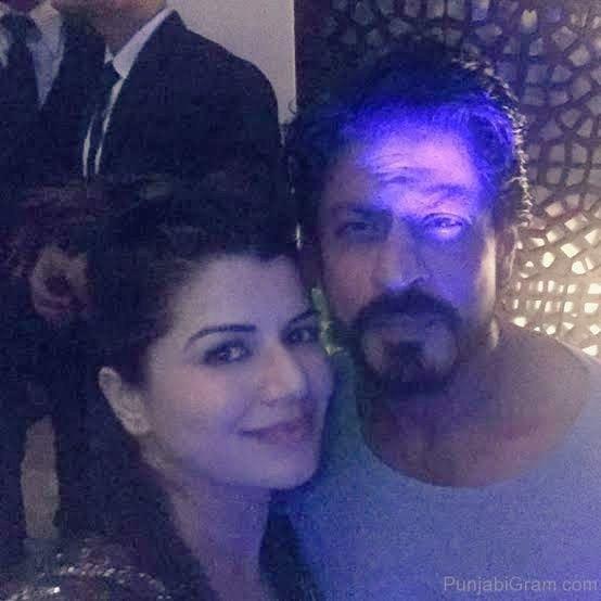 @iamsrk Happy Birthday SRK x @kainaatarora ❤
