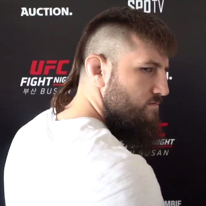 🚨 The best mullet in the UFC is BACK 🚨  @BulldozerBoser goes for his 3rd W in row Saturday at #UFCVegas13!! 👊 https://t.co/dL9PTWumxp